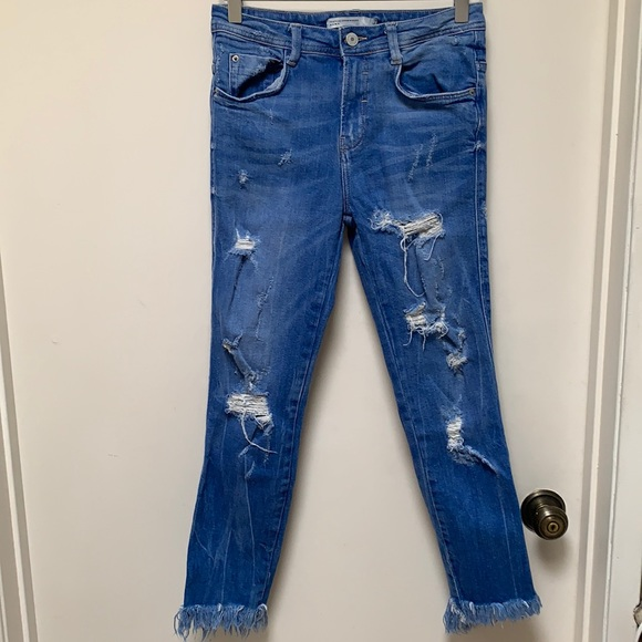 Zara Distressed Denim Jeans in Size 00
